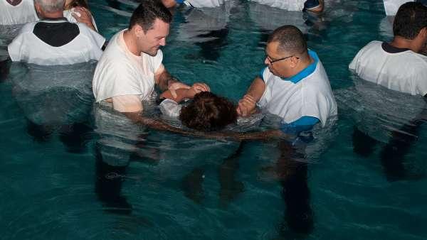 Batismo e Ceia no Maanaim de Vale do Paraíba, SP - galerias/4835/thumbs/05.jpg