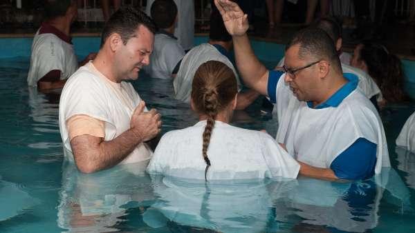 Batismo e Ceia no Maanaim de Vale do Paraíba, SP - galerias/4835/thumbs/06.jpg