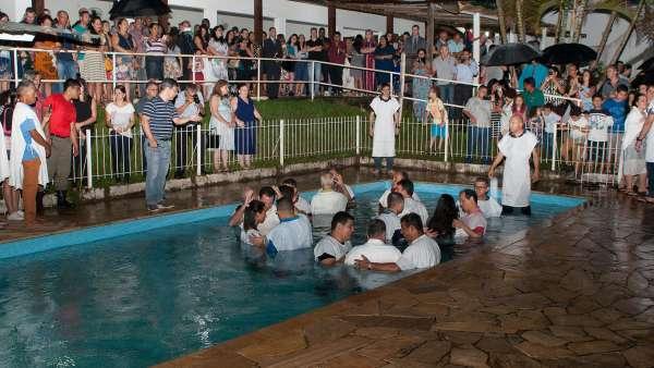 Batismo e Ceia no Maanaim de Vale do Paraíba, SP - galerias/4835/thumbs/07.jpg