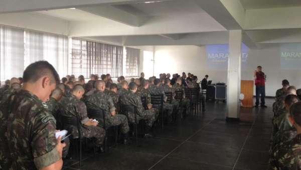 Culto da ICM no 5º Batalhão Logístico, em Curitiba - PR - galerias/4837/thumbs/08.jpeg