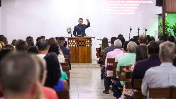Culto especial com os vizinhos em Cariacica, ES - galerias/4839/thumbs/03culto.jpg