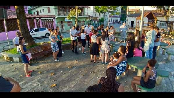 Evangelização em Goiânia e no Rio de Janeiro - galerias/4840/thumbs/08agualimpa.jpeg