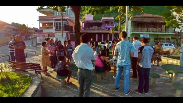 Evangelização em Goiânia e no Rio de Janeiro - galerias/4840/thumbs/09agualimpa.jpeg