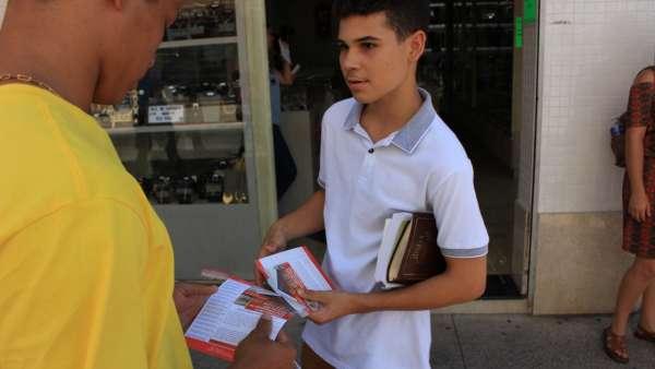 Programação evangelística em Linhares, ES - galerias/4842/thumbs/08evangelizaçãolinhares.jpeg