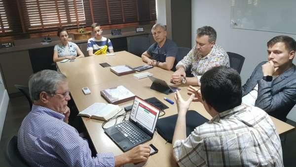Seminário com a participação de russos na Rádio Maanaim - galerias/4846/thumbs/01russosrm---cópia.jpeg