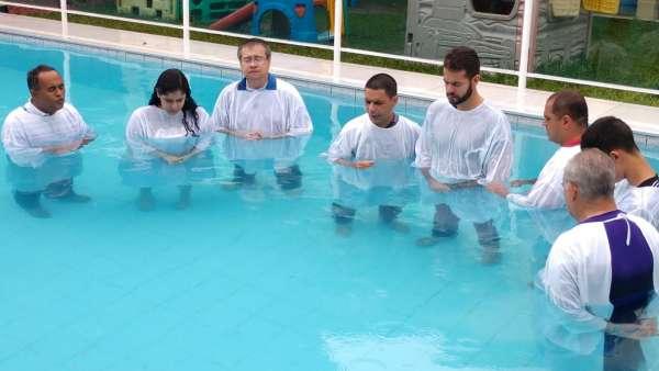 Cultos de batismo em Conceição de Castelo, ES, e Cachoeirinha, Manaus - galerias/4849/thumbs/05cachoeirinha.jpg