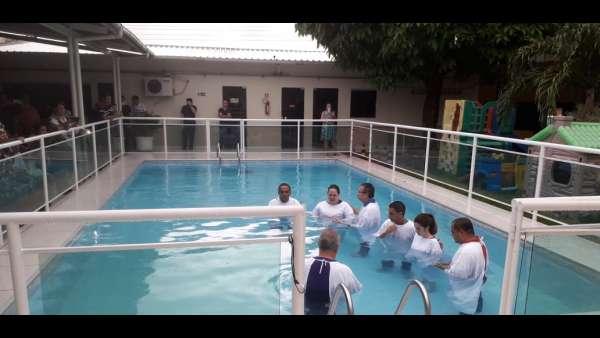 Cultos de batismo em Conceição de Castelo, ES, e Cachoeirinha, Manaus - galerias/4849/thumbs/06cachoeirinha.jpg