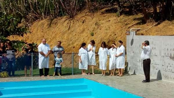 Cultos de batismo em Conceição de Castelo, ES, e Cachoeirinha, Manaus - galerias/4849/thumbs/09conceiçãodecastelo.jpg