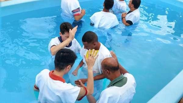 Batismo em Iperó, SP, e em Salvador, BA - galerias/4859/thumbs/06batismoindaiatuba.jpg