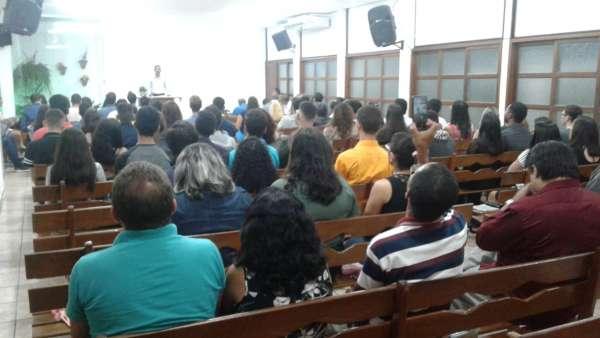 Eventos voltados para os jovens no mês de abril de 2019 - galerias/4860/thumbs/10vigília-jovens-área-rn-2.jpg