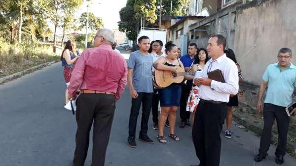 Evangelização em Parque Gramado, Cariacica - ES - galerias/4862/thumbs/02.jpeg