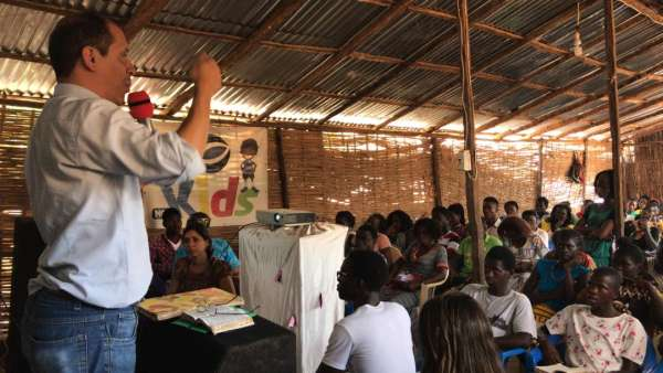 Assistência da Igreja Cristã Maranata na África Ocidental - galerias/4864/thumbs/09assistenciaguinébissau.jpeg