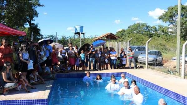 Cultos de batismo durante o mês de abril de 2019 - galerias/4870/thumbs/26.jpg