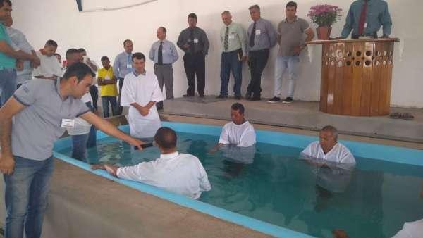 Reunião de Polo e Batismo no Maanaim de Guanambi - BA - galerias/4874/thumbs/09guanambi.jpeg