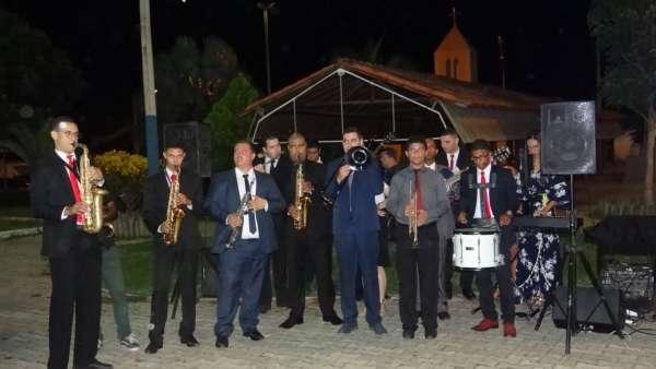 Programações especiais com as Igrejas Cristã Maranata de Pinheiros, ES - galerias/4877/thumbs/04pinheirospraca.jpeg