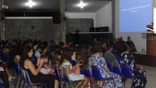 Programações especiais com as Igrejas Cristã Maranata de Pinheiros, ES - galerias/4877/thumbs/07pinheirosculto.jpeg