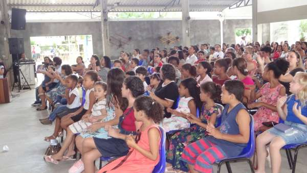 Programações especiais com as Igrejas Cristã Maranata de Pinheiros, ES - galerias/4877/thumbs/09pinheirosculto.jpeg