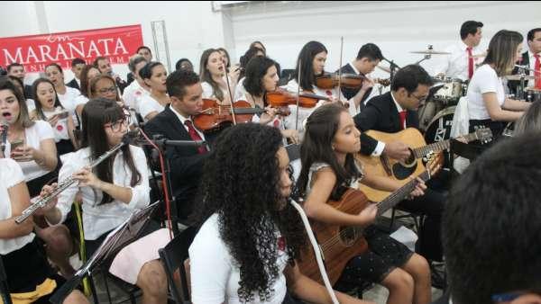 Culto de glorificação a Deus pelos jovens e universitários em Matipó, MG - galerias/4878/thumbs/formatfactoryimg7050.jpg