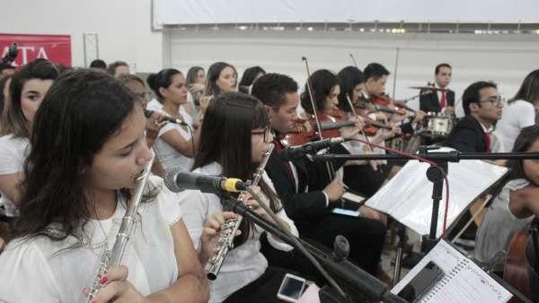 Culto de glorificação a Deus pelos jovens e universitários em Matipó, MG - galerias/4878/thumbs/mg7046.JPG