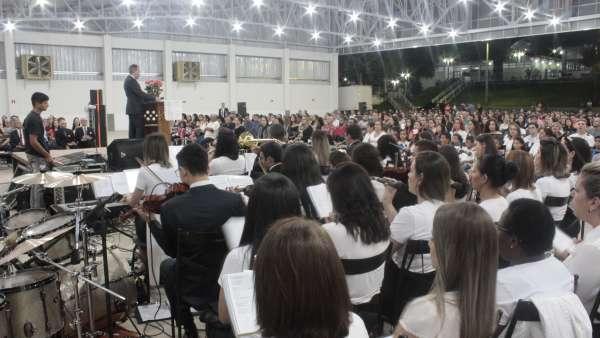 Culto de glorificação a Deus pelos jovens e universitários em Matipó, MG - galerias/4878/thumbs/mg7093.JPG