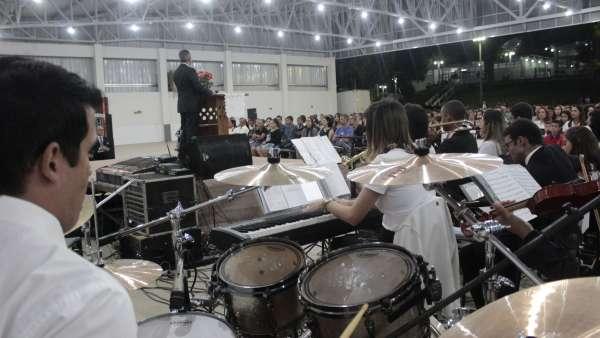 Culto de glorificação a Deus pelos jovens e universitários em Matipó, MG - galerias/4878/thumbs/mg7099.JPG