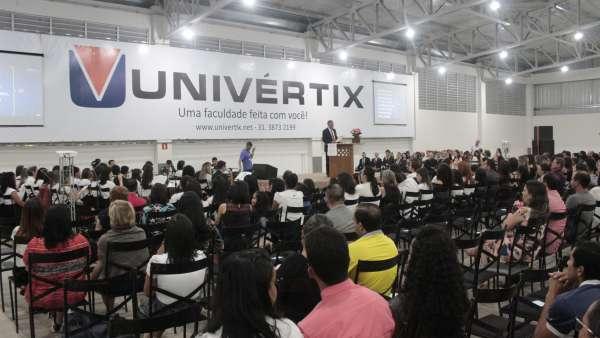 Culto de glorificação a Deus pelos jovens e universitários em Matipó, MG - galerias/4878/thumbs/mg7136.JPG