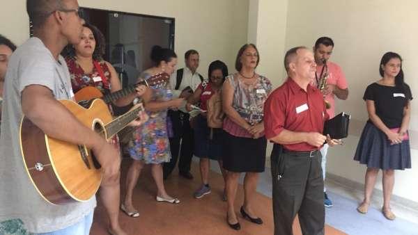 Trabalho de Musicoterapia da Igreja Cristã Maranata em Vila Velha, ES - galerias/4882/thumbs/04musicoterapiavilavelha.jpeg