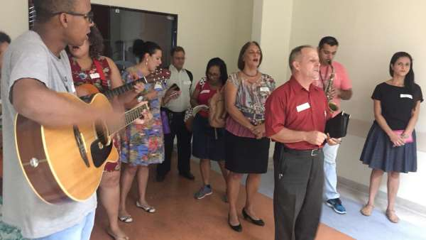 Trabalho de Musicoterapia da Igreja Cristã Maranata em Vila Velha, ES - galerias/4882/thumbs/05musicoterapiavilavelha.jpeg
