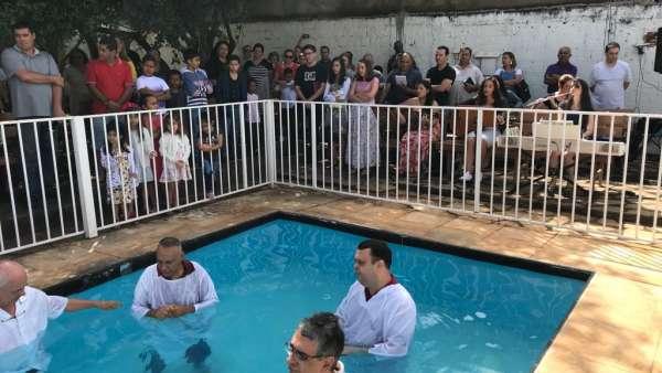 Batismos da Igreja Cristã Maranata - Maio 2019 - galerias/4886/thumbs/03sobradinho.jpg