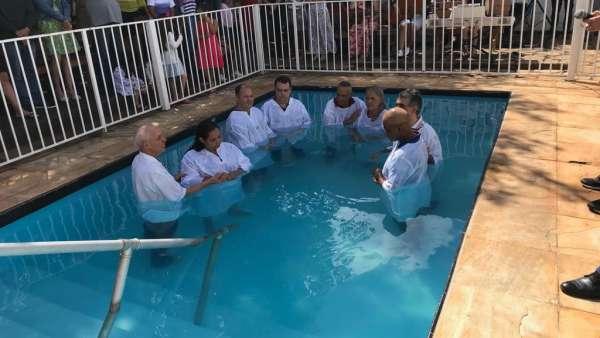 Batismos da Igreja Cristã Maranata - Maio 2019 - galerias/4886/thumbs/04sobradinho.jpg