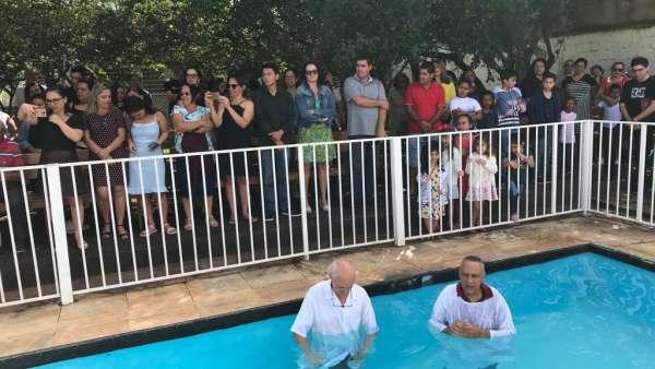 Batismos da Igreja Cristã Maranata - Maio 2019 - galerias/4886/thumbs/05sobradinho.jpg