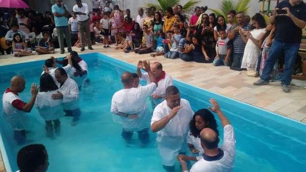 Batismos da Igreja Cristã Maranata - Maio 2019 - galerias/4886/thumbs/11riodasostras.jpeg