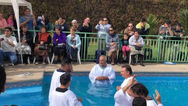 Batismo em Santiago, Chile - Missão Internacional Cristã Maranata - galerias/4887/thumbs/03batismo.JPG