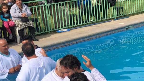 Batismo em Santiago, Chile - Missão Internacional Cristã Maranata - galerias/4887/thumbs/04batismo.JPG