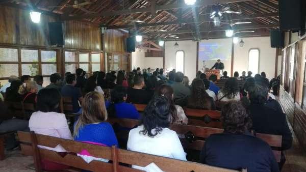 Seminário e EBD em Santa Cruz de la Sierra, Bolívia - galerias/4909/thumbs/06.jpeg
