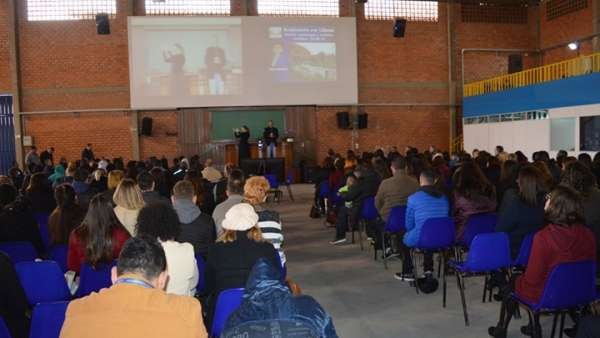 Seminário voltado para surdos e surdocegos em Curitiba, PR - galerias/4921/thumbs/02.jpg
