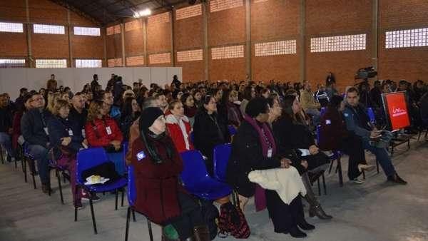 Seminário voltado para surdos e surdocegos em Curitiba, PR - galerias/4921/thumbs/05.jpg