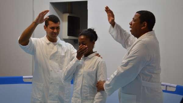 Culto de Batismo em Roma, Itália - galerias/4922/thumbs/07.jpeg
