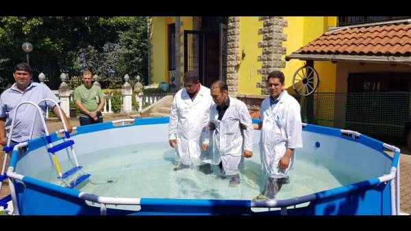 Batismo de membros da ICM da Itália e Suiça - galerias/4947/thumbs/06.jpeg