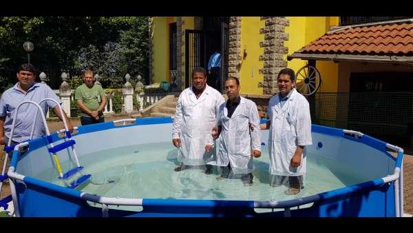 Batismo de membros da ICM da Itália e Suiça - galerias/4947/thumbs/07.jpeg