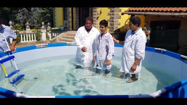 Batismo de membros da ICM da Itália e Suiça - galerias/4947/thumbs/08.jpeg