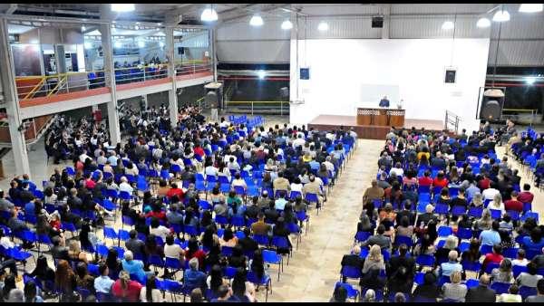 Culto de glorificação pelos 40 anos da ICM em Cachoeiro, ES - galerias/4949/thumbs/00.jpg