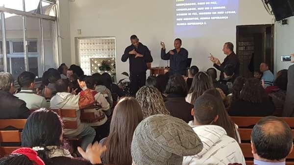 Seminário de surdos, surdo-cegos e intérpretes em Itaquera, SP - galerias/4950/thumbs/01.jpeg