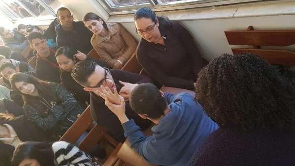 Seminário de surdos, surdo-cegos e intérpretes em Itaquera, SP - galerias/4950/thumbs/02.jpeg