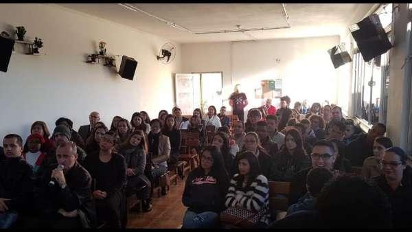 Seminário de surdos, surdo-cegos e intérpretes em Itaquera, SP - galerias/4950/thumbs/04.jpeg
