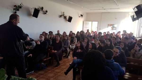 Seminário de surdos, surdo-cegos e intérpretes em Itaquera, SP - galerias/4950/thumbs/08.jpeg