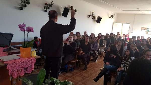 Seminário de surdos, surdo-cegos e intérpretes em Itaquera, SP - galerias/4950/thumbs/09.jpeg