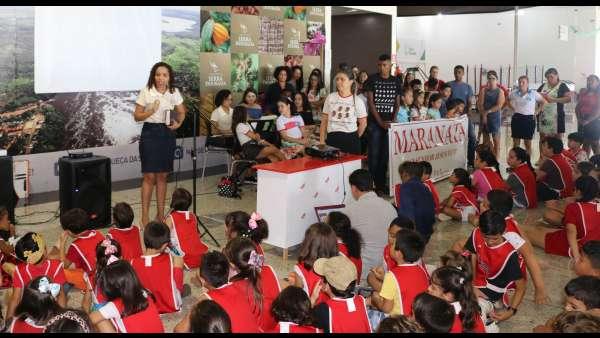 Evangelização em Centro Comercial de Altamira, PA - galerias/4955/thumbs/01.JPG