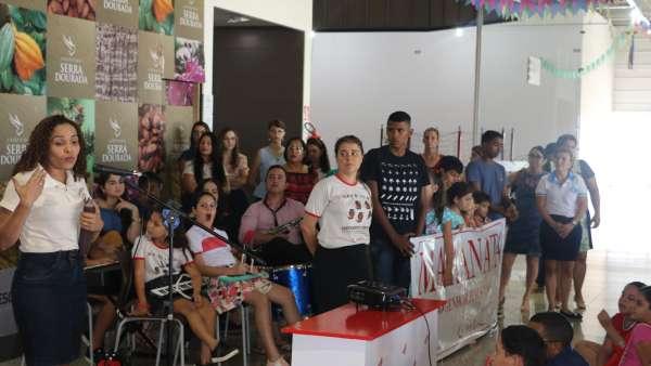 Evangelização em Centro Comercial de Altamira, PA - galerias/4955/thumbs/02.JPG