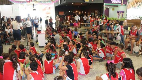 Evangelização em Centro Comercial de Altamira, PA - galerias/4955/thumbs/03.JPG